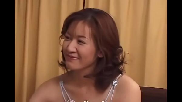 JKおしっko盗撮 巨乳AV女優セックス動画 女子高生の中に入れる