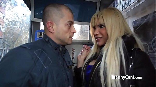 Показать видео трансексуалок с большими членами