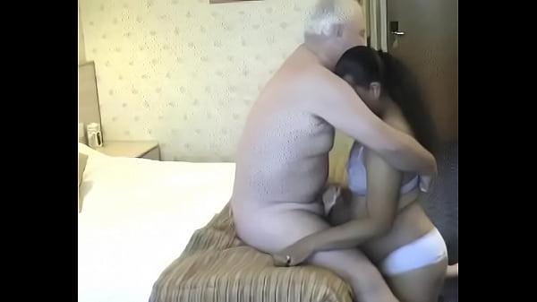 Old man licks and fucks a busty BBW-www yourubb com