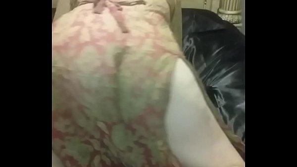 hermosa sexy latina bellakeando cachondeando bailando meneando perreando reggaeton sensual golosa b
