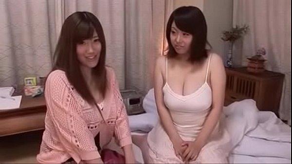 「私ともシテみたい?」肉感が凄い美熟女姉妹が3P筆おろし