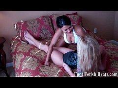 Jasmine begs to worship Bellas sexy feet