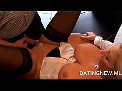 Reife Sextherapeutin ist selber sexsüchtig in www.datingnew.ml