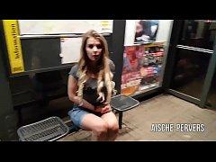 aische-pervers - An der Bushaltestelle &Ouml_FFENTLICH GEFICKT