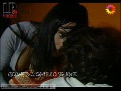 Video de Celeste cid en para vestir santos beso...