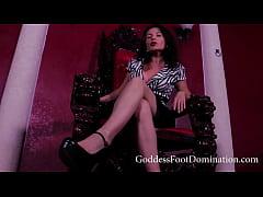 Kneel Before Me starring Goddess Tatianna