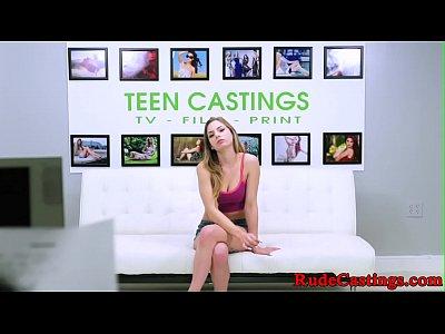 casting teen imbavagliata e scopata a missionario