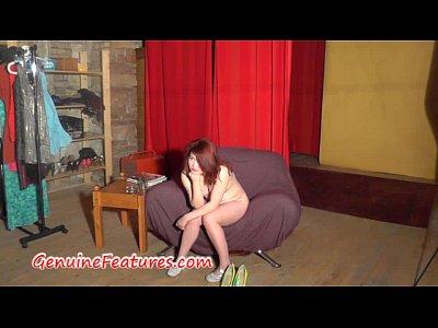 danza erotica con 18anni asiatica rossa cutie