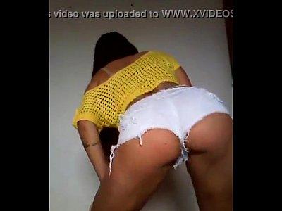 Brazilian funk big ass girl shake