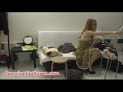 video di backstage con ceca rossa newbie