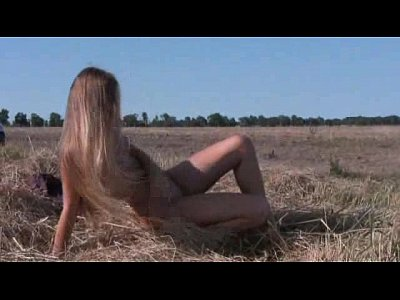 blond_teen_naked_nude_outdoor