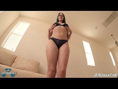 Sexy chica desnuda y humillada / Alex Coal