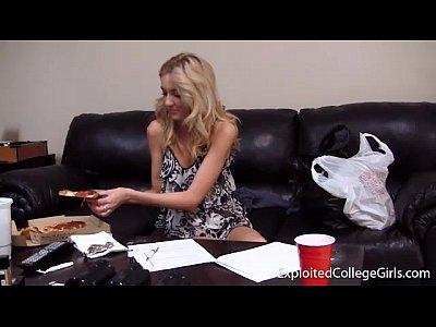 amanda mangia sperma pizza