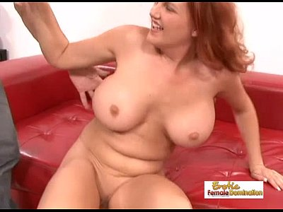 incredibilmente busty redhead milf ottenere forato hardcore