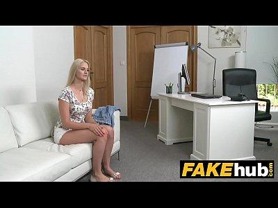 falso agente - bellezza bionda in casting couch cazzo