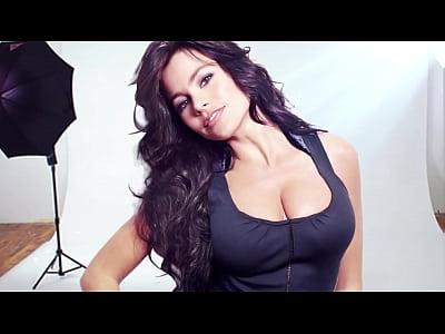 Big tits, bouce tits of Sofia Vergara