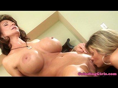 Fingering Oral Pornstar video: Kristal Summers fingered by Deauxma