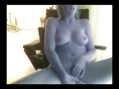 blond_amateur_masturbation_solo