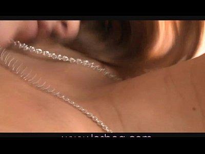 lesbea eurasiatico riceve dildo da rossa