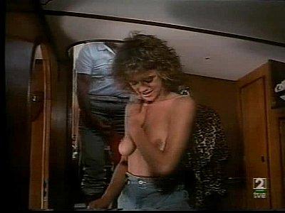 Emma Suarez - Marbella, un golpe de 5 estrellas (1985)