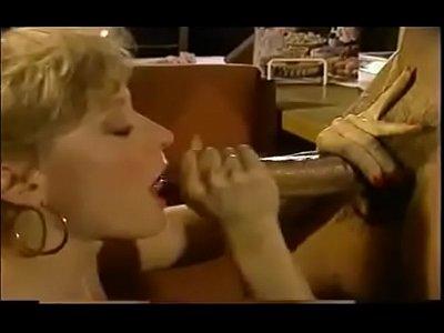 Nina Peter video: mobile