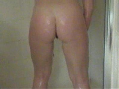 hardcore_blond_amateur_wet_pussy_shower