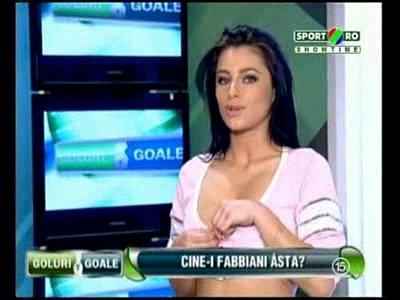 Goluri si Goale ep 2 Gina si Roxy (Romania naked news)