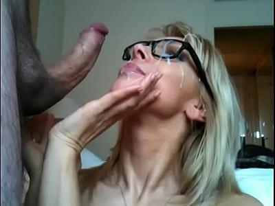 dare un pompino al fidanzato in webcam == seemeliveoncam com
