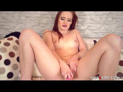 pallido rossa modello orgasmi