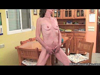 Mom's secret life as a masturbator