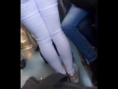 Rico culo en la linea 12 del metro CDMX