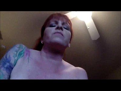 inchiostrata amatoriale redhead milf pov di equitazione