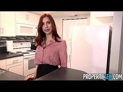 propertysex - rossa calda agente immobiliare scopa nuovi boss