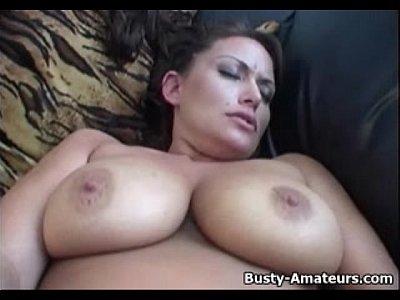 Busty amatuer Leslie masturbates her shaved pussy