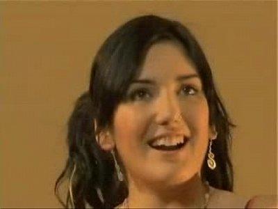 adolescente excitada en el bao(descargaryoutube com)