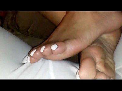 BEAUTIFUL WHITE TOES!!!