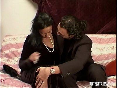 La vedova si consola solo con un cazzo in fica