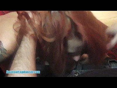 Redhead milf è un incredibile lapdancer!