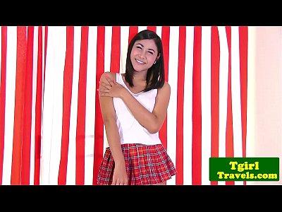 Asian TS tgirl Tongta stimulates her ass