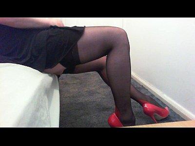 masturbation_shemale_dress_amateur