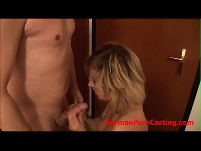 tedesco amatoriale viene scopata durante il casting porno - germanporncasting.com