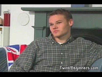 #gay_twink_men
