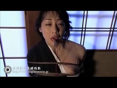 着物姿の妖艶な女優、若林美保さんが緊縛されてハードSM