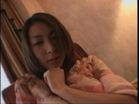 【個人撮影】ガチ素人スレンダー巨乳美女彼女にオナニーさせて撮影しなが...