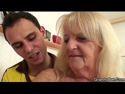 Порно ролики ебли старушек