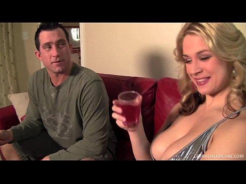 Pornstar Sarah Vandella finds out guy has huge ...
