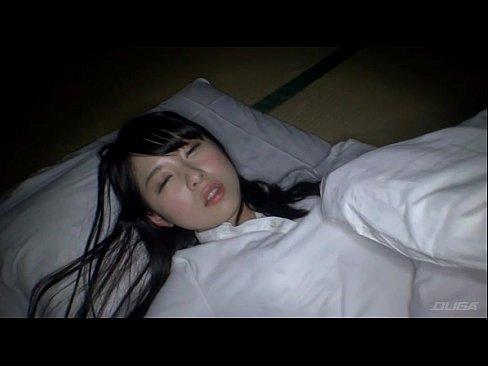 【JKロリ】疲れてぐっすり寝てるバスケ部の少女を夜這いレイプする鬼畜...