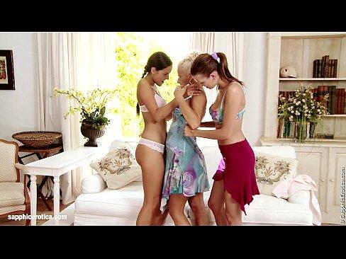 Filme Porno Cu Mame Blonde Bune De Pula Xnxx Ii Baga Mana In Pizda