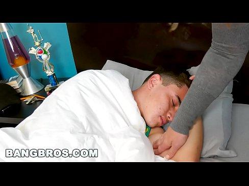 "BANGBROS - Juan ""El Caballo"" Loco's Stepmom Eva Notty is Hot AF (ap16038)"