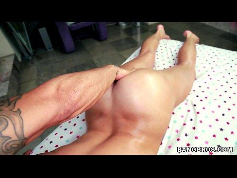 Massaging A Goddess PAWG Named Mia Malkova on Pornstar Spa! (pos12269)